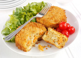 SAVOURY SQUASH AND VEGETABLE CAKES
