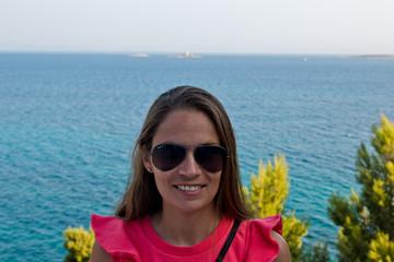 Junge Frau auf Kroatien im Urlaub