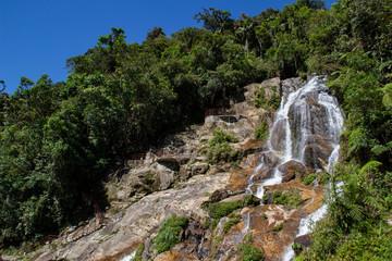 Cascata nel parco nazionale Podocarpus, Ecuador