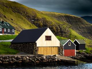 Bootshäuser auf den Färöer Inseln