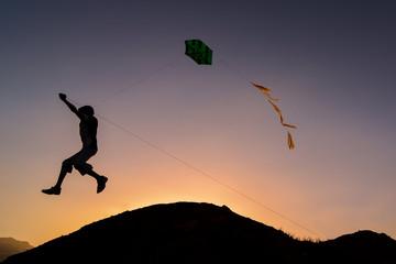 Kite use, unusual feelings and happiness