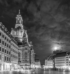 Liebfrauenkirche in Dresden by night