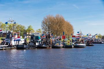old tugs in Zwartsluis