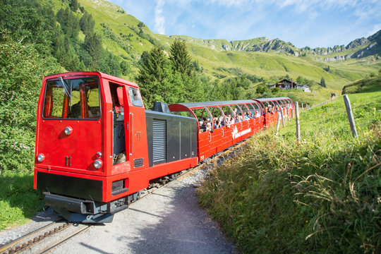 Brienzer Rothorn Bahn / Dampfzahnradbahn im Berner Oberland / Schweiz