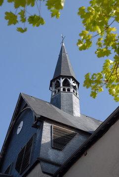 Ville de Salbris, église Saint-Georges et son clocher en ardoise, département du Loir et Cher
