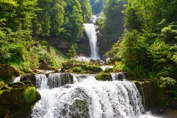Wall Mural - Giessbach - Wasserfall am Brienzersee im Berner Oberland / Schweiz