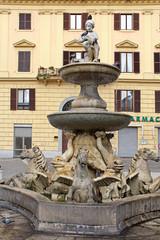 Ancona; la fontana di Piazza Roma