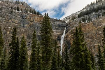 Takakkaw Falls rumble 384m to the ground, Yoho National Park, British Columbia, Canada