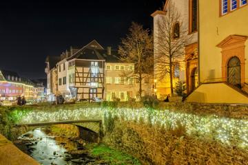 Steinbrücke über die Erft am ehemaligen Jesuiten-Kolleg in Bad Münstereifel