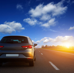 Fototapete -  Car and light