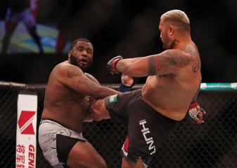 MMA: UFC Fight Night-Adelaide-Hunt vs Willis