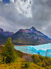 Photo sur Plexiglas Glaciers The glacier in Lake Argentino
