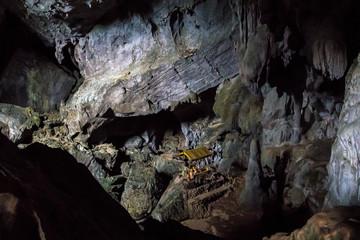 Laos - Vang Vieng - Tham Poukham Höhle