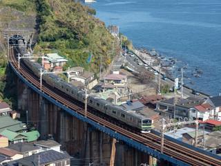 玉川橋梁の電車