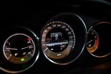 The testimony of the speedometer Mercedes