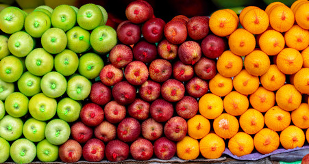 delicious apples and oranges of sri lanka