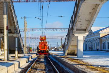 railway locomotive for diagnostics and repair contact network