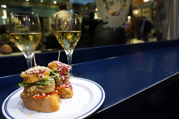 Typical pintxos and wine tour in Bilbao