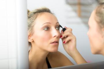 Mascara Mirror