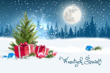 Fototapeta Koncepcja kartki świątecznej z napisem Wesołych Świąt po polsku. Zimowa nocna sceneria z księżycem w tle, w śniegu leżące koło choinki prezenty oraz porozrzucane bombki. Na niebie widać padający śnieg