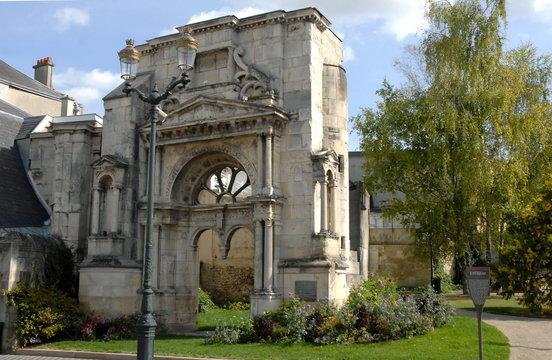 Ville d'Epernay, Portail Saint-Martin édifié en 1540, département de la Marne, France
