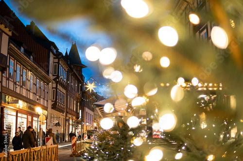 Wernigerode Weihnachtsmarkt.Viele Lichter Auf Dem Weihnachtsmarkt In Wernigerode Stock Photo