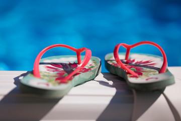 dd5f790f Flip flops on the swimming pool