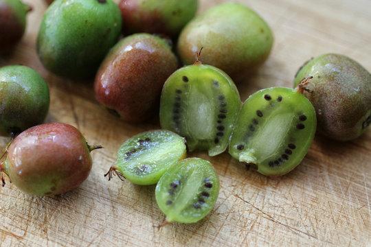 Organic Kiwi Berries
