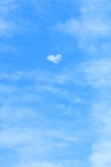 雲が創ったハート