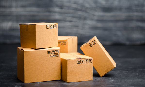 Cardboard boxes. The concept of packing goods, sending orders to customers. Warehouse of finished products and equipment. Moving to another house. Delivery management.