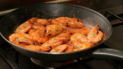 frying pan with shrimps