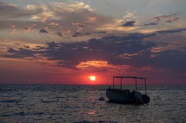 Sonnenuntergang an der albanischen Adriaküste