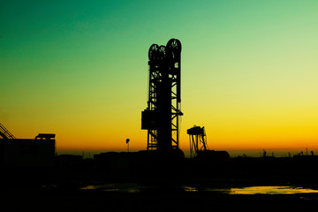Tower type pumping unit under the setting sun