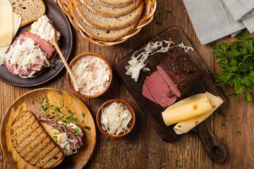 Ruben sandwich. New York sandwich with pastrami, sauce 1000 islands and sauerkraut.
