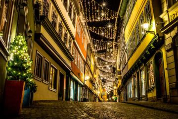 Weihnachtlich beleutete Krämerbrücke in Erfurt