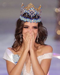Miss Mexico Vanessa Ponce de Leon, 26, reacts after winning the Miss World 2018 title in Sanya