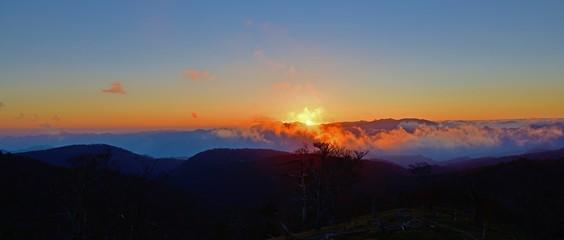 大台ヶ原山でみた日没情景