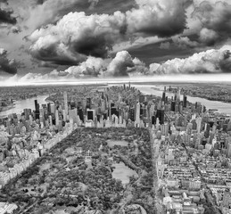Fototapete - Aerial view of Manhattan. Central Park, city skyscrapers with Hudson and East River in winter season