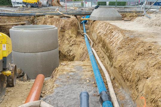 Erneuerung der Kanalisation und Wasserleitung in einer Strasse