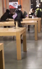 People break into an Apple store in Bordeaux
