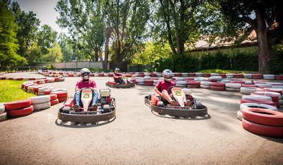 Go kart speed drive race sport contest Fototapete