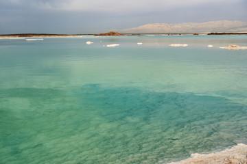 Foto op Aluminium Tunesië Dead sea seascape in cloudy weather