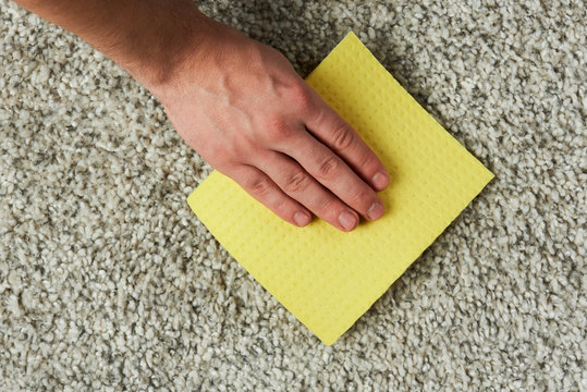 Washing carpet from dirty spot