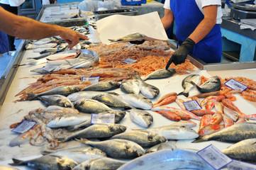 Einkauf in einem sizilianischen Fischladen