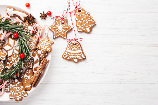Plate with Christmas gingerbread cookies.