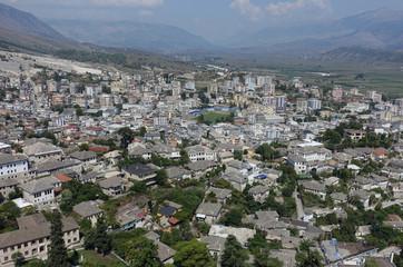 Panoramablick auf Gjirokastra, Südalbanien