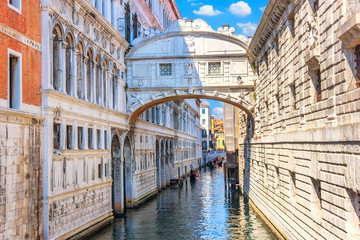Keuken foto achterwand Venetie The Bridge of Sighs over the canal of Venice, Italy