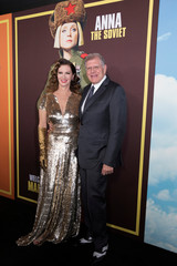 "Director Zemeckis and his wife pose at the premiere for the movie ""Welcome to Marwen"" in Los Angeles"