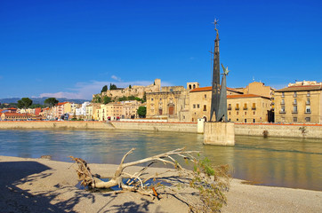 Tortosa in Spanien und der Fluss Ebro - the town Tortosa in Spain