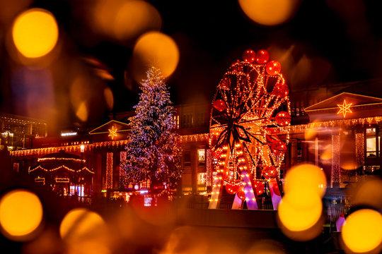 Glanzlichter Schloßplatz Stuttgart im Advent